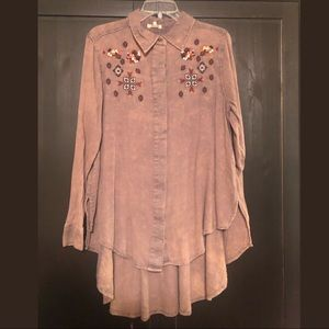 Gimmicks button up tunic